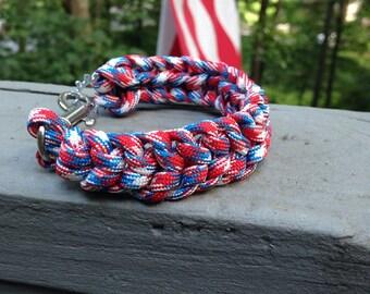 Paracord bracelet, red white and blue paracord bracelet, patriotic bracelet, U.S.A. bracelet, survival bracelet, scout bracelet