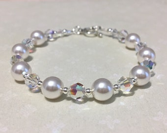 Crystal Pearl Bridal Bracelet, white swarovski pearl bracelet, wedding jewelry, bridesmaid jewelry, mother of bride bracelet, elegant bride