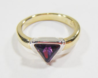 Vintage Gold Ring 18KGE w/ Purple Triangle Stone Size 6 3/4