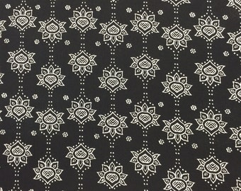 97 poly 3 spandex Boho 58-60 in w Black n White Fabric by the yard