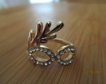 vintage goldtone unusual costume ring like a harlequin mask with diamante round eyes uk size  Q/R us size 8.5