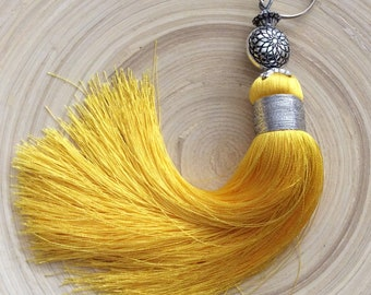 Made of yellow silk tassel large format