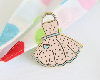 Peach apron, hard enamel pin, enamel pin set, cloisonne, baking enamel pin,lapel pin, pin badge, baking, kawaii enamel pin, retro enamel pin