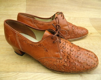 Vintage 40's Shoes 8 • Brown Leather Shoes • 1940's Shoes • Women's Brogues • 1940s shoes 9 stacked heel