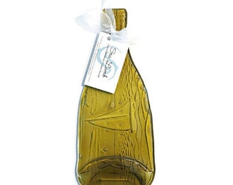 Wine Bottle Cheese Tray with Elegant Kiln-Carved Sail Boat Design and Your Optional Choice of Spreader - Gift for Wine Lovers