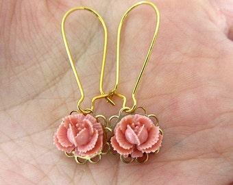 Pink rosebud brass setting kidney earring