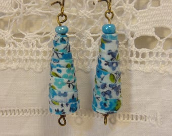 A large Pearl Earrings in rolled fabric flowers turquoise.