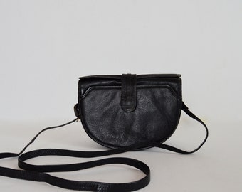 Vintage Leather Handbag Black+Gold Genuine Leather Purse Front Flap Long Leather Strap Crossbody Purse With 4 Pockets