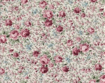 Kaufman Anna 7459 238 Garden Roses On White By The Yard