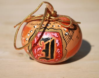 A4 Hand Painted Small Gourd Signed 1992 Made In Germany I saw three ships come sailing in on Christmas Day Ornament Monogram D