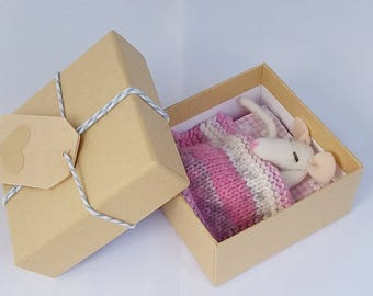 Needlefelted Mouse, Needlefelt, White Mouse, Mouse Lovers Gift, Sleeping Mouse Decoration, Whimsical Mouse, Wool Mouse,  Fiber Art