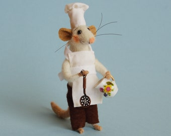 Needle felted Mouse Cook. Felted Mouse .Mouse Chef. Birthday Gift. Ornament Kitchen decoration. Dollhouse Mouse. Felt mice. Felting dreams.
