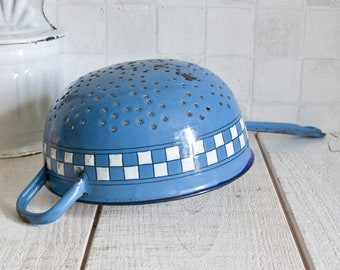 Vintage French Chequered Blue and White Enamel Colander || Lustucru Pattern - Country Kitchen  Retro Home Decor