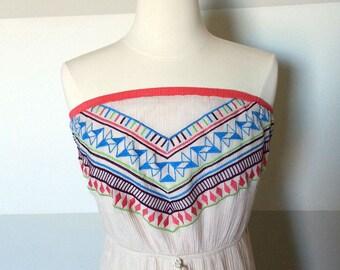 Aztèque, Vintage imprimé Tribal, Boho bustier robe Maxi en tissu froissé avec broderie colorée amérindien fluo