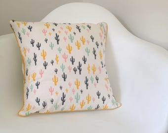 Cactus pattern pillow cover