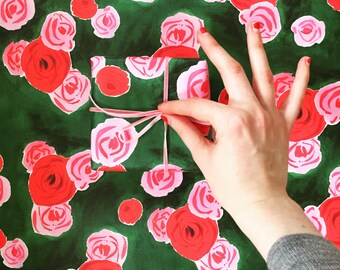 Wrapping Paper: Pink and Red Rose on Hunter Green