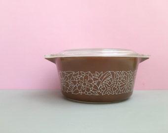 Pyrex 'Woodland' #474 round casserole dish with lid (c.1978-84)