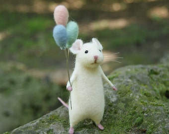 Needle felt mouse, White Cute mouse, mouse, Needle felt animal, Needle felt miniature, Birthday gift, Home decor