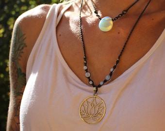 Set 2 of 2 necklaces - glas opal - Lotus flower (brass)