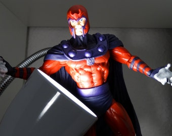 Magneto: liquid quicksilver a X-men inspired lamp