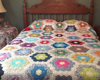 Vintage Hand Stitched and Hand Quilted Grandmother's Flower Garden Design Quilt