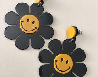 Smiley Flower Acrylic Earrings