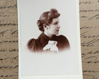 Antique Photo Cabinet Card Victorian Era Beauty Young Lady Vintage Photograph