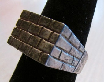 Sterling Silver Brick Wall Design Ring Size 8