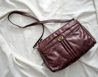 Etienne Aigner oxblood leather purse | Aigner purse | cordovan leather bag | leather shoulder bag | shoulder purse | vintage Aigner bag