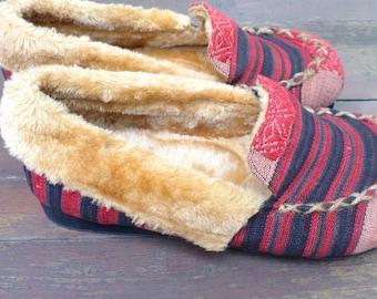 Men's Slippers In Plush-Lined Tribal Naga Textiles - Riley, Size US Men's 11