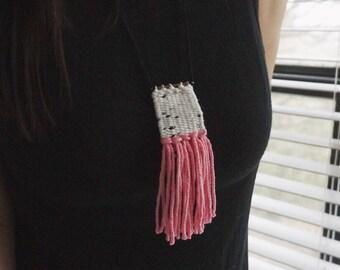 M o o // Mini Weaving Woven Fiber Necklace