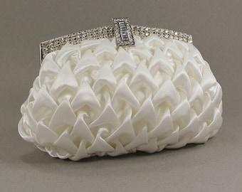 Ivory wedding clutch, bridesmaid clutch, wedding clutch, evening clutch, clutch bag, clutch purse, clutch, handbags, wedding dresses, purse