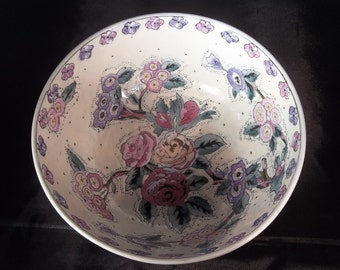 Gorgeous decorative bowl with flowers