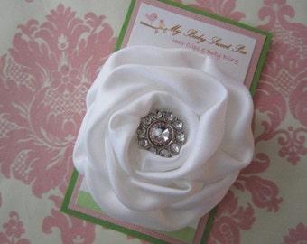 Girl hair clips - white flower hair clips - girl barrettes - hair clippies