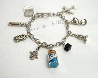 Agents of S.H.I.E.L.D charm bracelet, Coulson, Skye, May, Fitz, Simmons, Fury, Shield, by Life is the bubbles