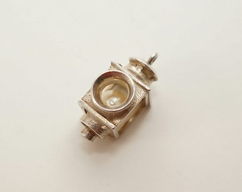 Vintage Sterling NUVO Lamp Post Charm
