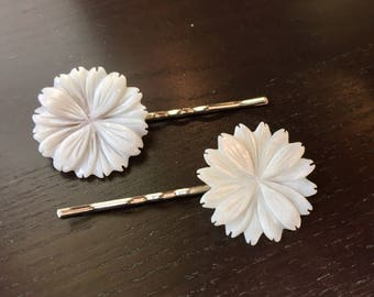 White Mother of Pearl Chrysanthemum Hair Pins