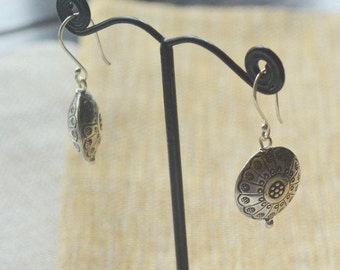 Karen Hill Tribe Silver Earrings Hill Tribe Stamped Silver Beads Thai Silver Stamped Flower Petal Earrings Boho Jewelry Pairs, AL16-301