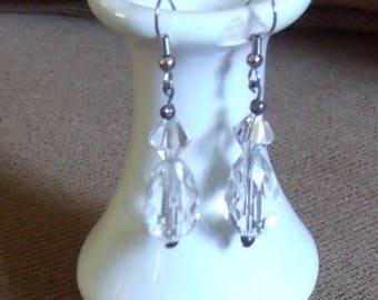 HJE-0047-H, Clear Teardrop Bead on Silver Wire