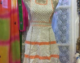 Vintage Crochet // Bib Apron // Lace Apron // Vintage apron // Crochet apron