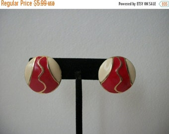 ON SALE 1950s Vintage Red Gold Cream Enameled Clip On Earrings 410
