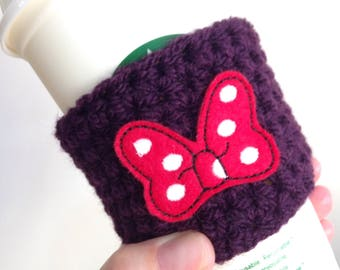 Coffee cosy with Red spotted bow feltie