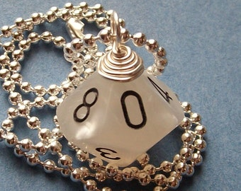 Dungeons and Dragons - D10 Die Pendant - Pearl - Geek Gamer DnD Role Playing RPG