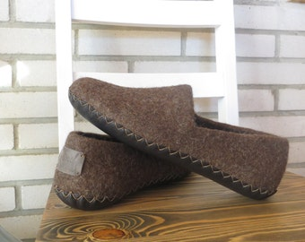 Felted slippers, boiled wool slippers,Felted wool slippers, home shoes, felt clogs, men house shoes, ECO, valentines day gift for him