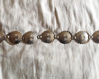 Vintage scalloped flower metal link belt