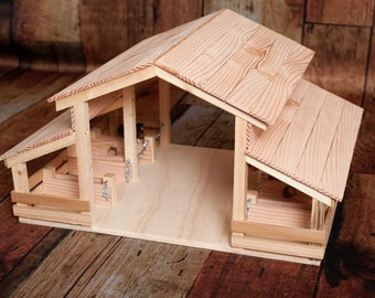 Wood Toy Barn with 8 Stalls