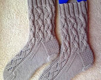 Hand Knit Womens Cashmere-Wool Blend Socks (S-253)