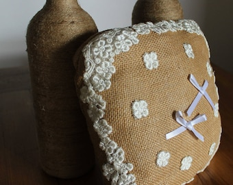 Ring pillow juta and flower lace hand made