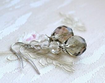 Wedding earrings Grey earrings Light grey bridesmaid jewelry Grey Bridesmaid earrings Bridesmaid Gift Light grey wedding