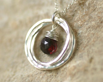 30th birthday gift for her, garnet necklace for sisters, 3 interlocking rings jewelry, January birthstone necklace - Lilia